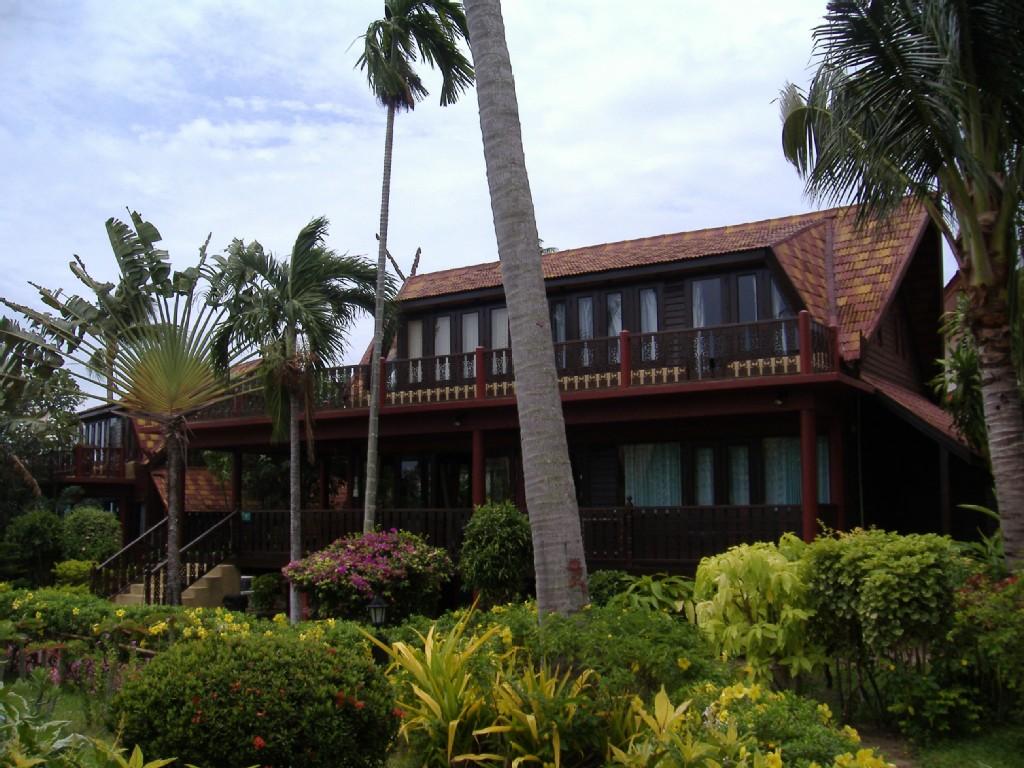 3 Bed Short Term Rental Villa Bang Po Beach