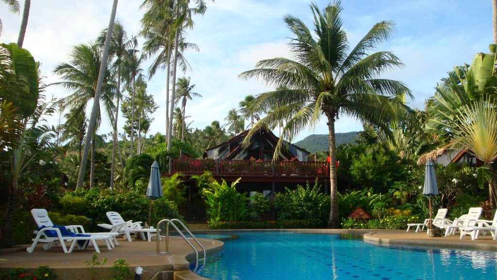 4 Bed Short Term Rental Villa Bang Po Beach