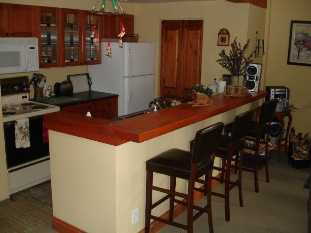 Mont Tremblant vacation rental with Eating bar off the galley kitchen