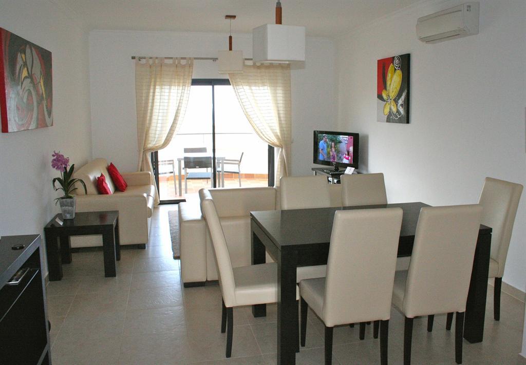 2 Bed Short Term Rental Apartment Porto de Mos