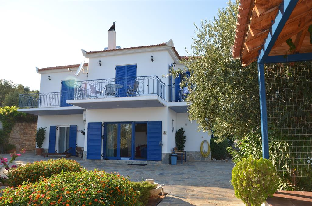 Villa with panoramic sea-view, and beautiful sandy beach in 600 m walking distance