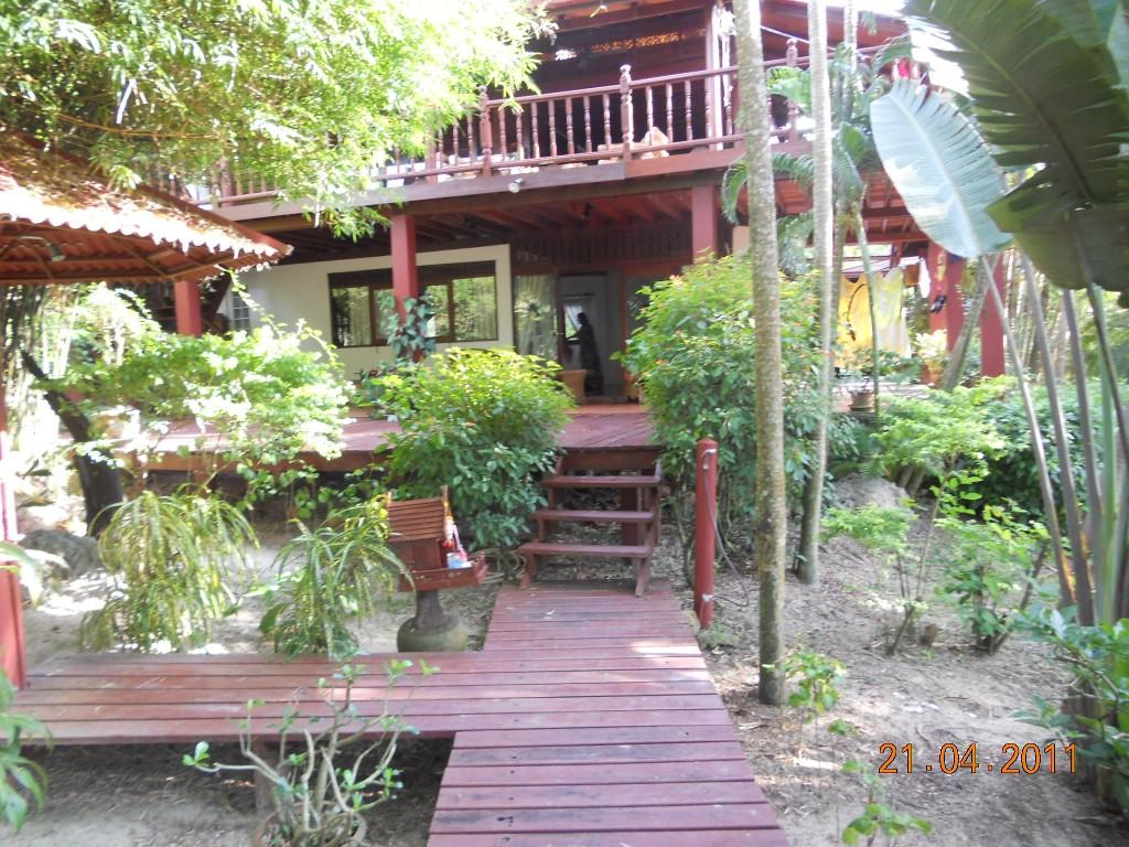 3 Bed Short Term Rental House Bang Po Beach