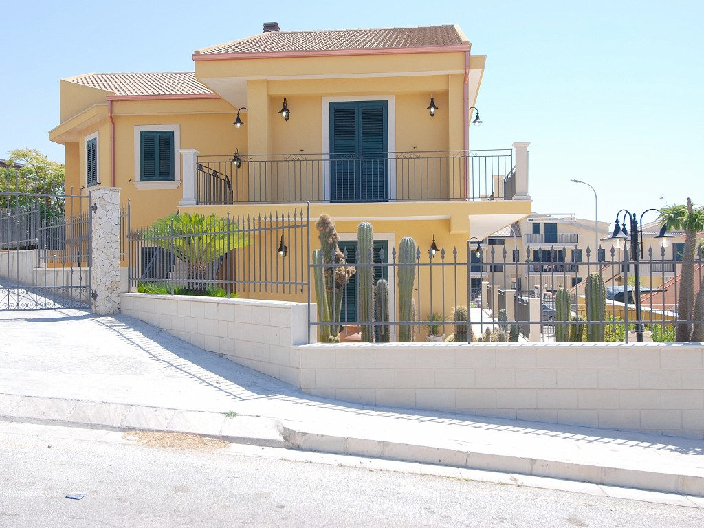 8 Bed Short Term Rental Villa Marina di Ragusa