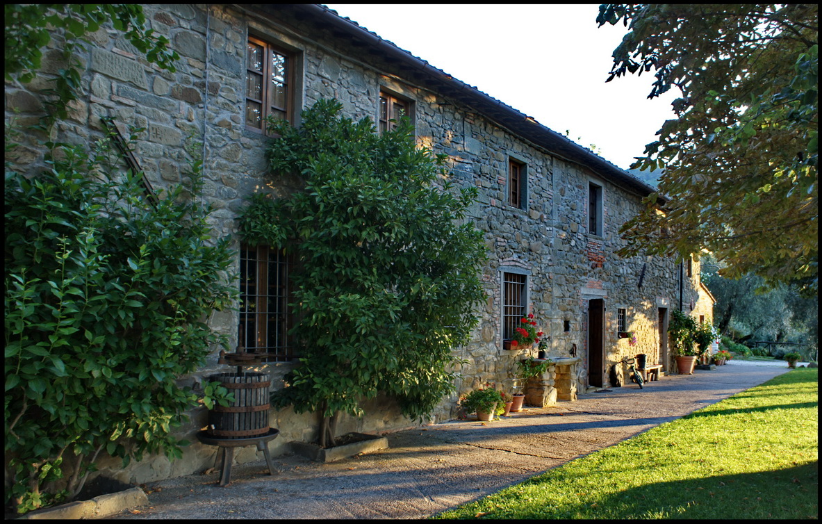 Between Pisa and Florence -- Apartments in a Tuscan farmhouse. Montecatini Terme.