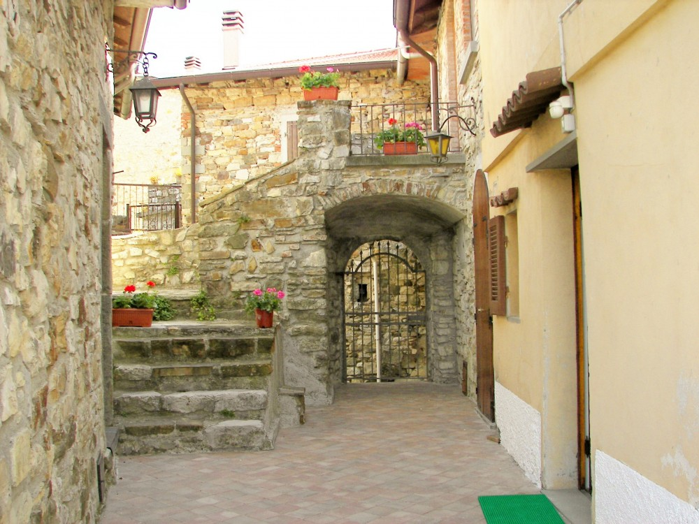 Villafranca in Lunigiana vacation rental with Entrata