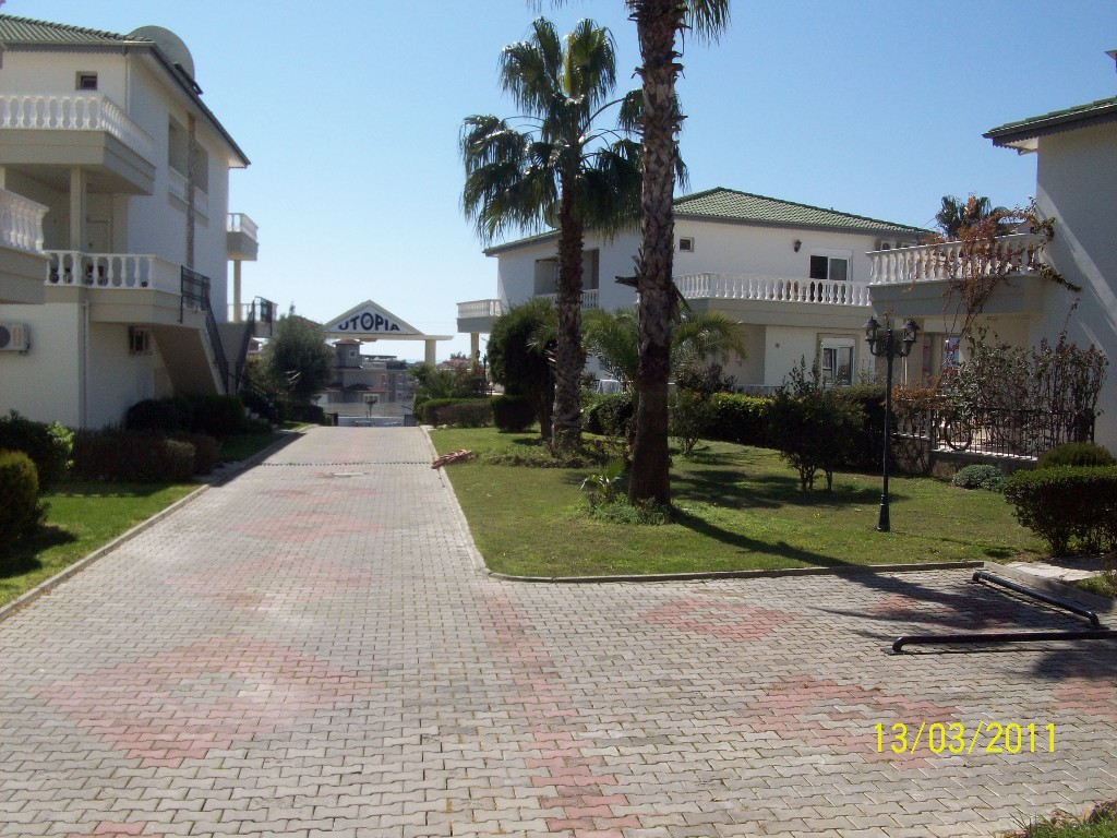 3 BED,SPACIOUS VILLA ON A LANDSCAPED COMPLEX, COMMUNAL POOL, SEA NEARBY
