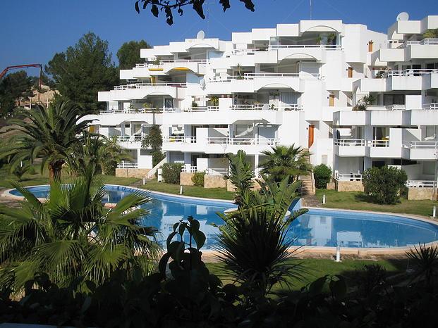2 Bed Short Term Rental Apartment Cala Vinyes
