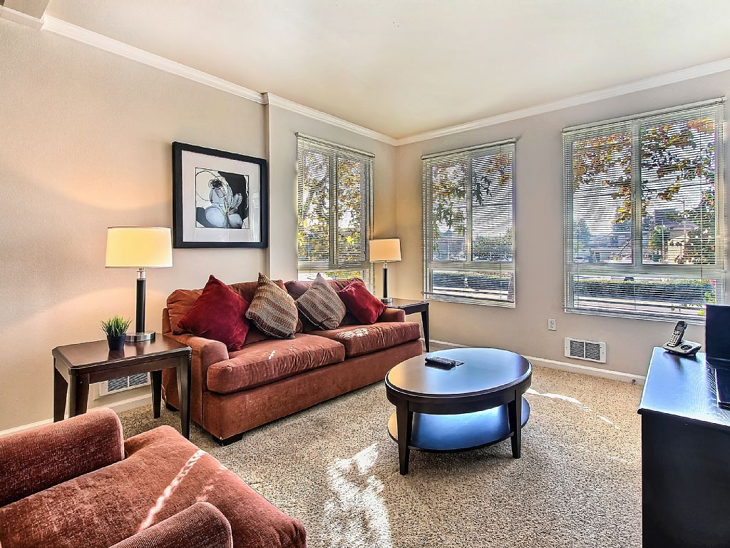 2 Bed Short Term Rental Apartment Sunnyvale