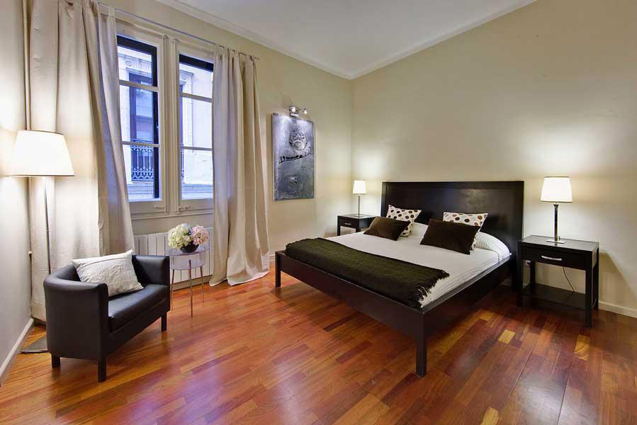 3 bedroom apartment, 50 metres to the Ramblas