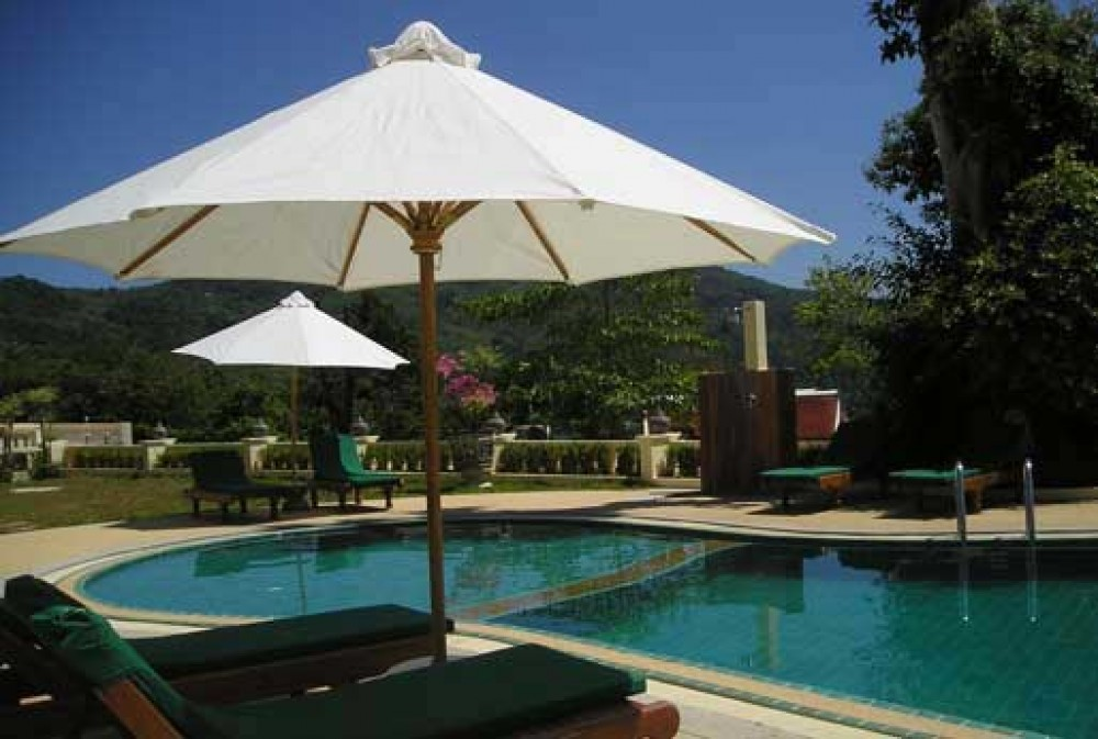 Phuket vacation rental with along the pool