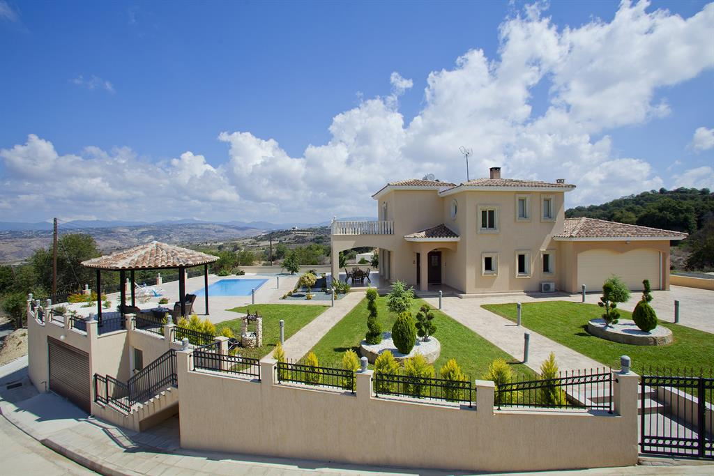 Villa with Nice Garden and View - Paphos Holiday Rentals