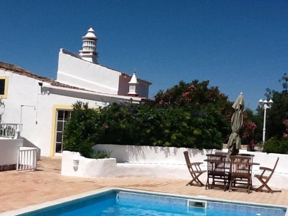 Estoi vacation rental with Pool,patio,garden room & terrace bedroom