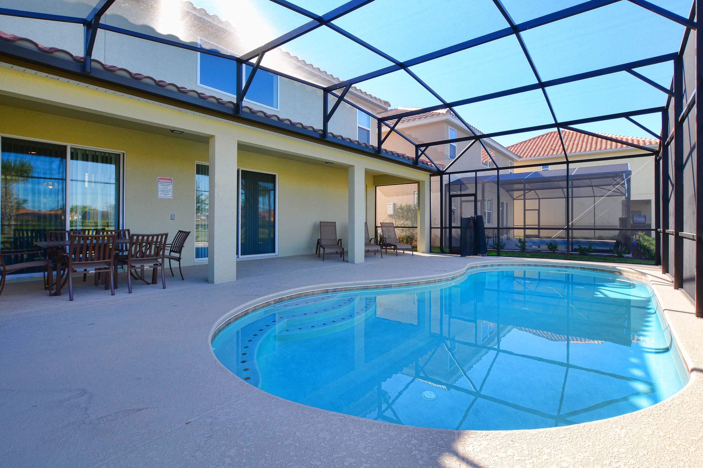 6 Bed Short Term Rental House Solterra Resort