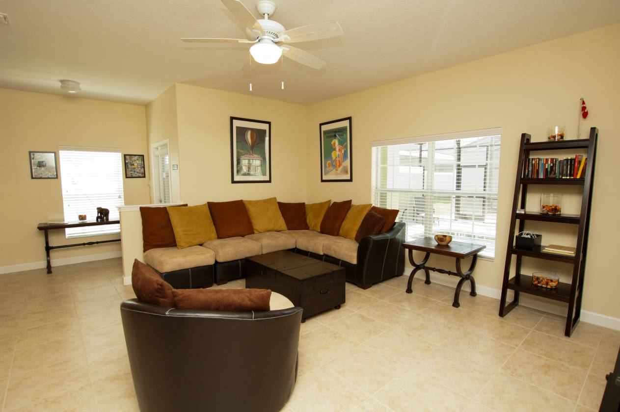 5 Bed Short Term Rental House Paradise Palms