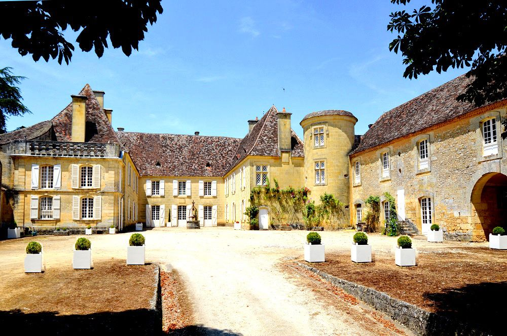 5 Bed Short Term Rental Accommodation Perigord Pourpre