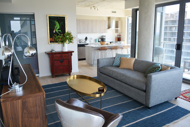 2 Bed Short Term Rental Apartment Toronto
