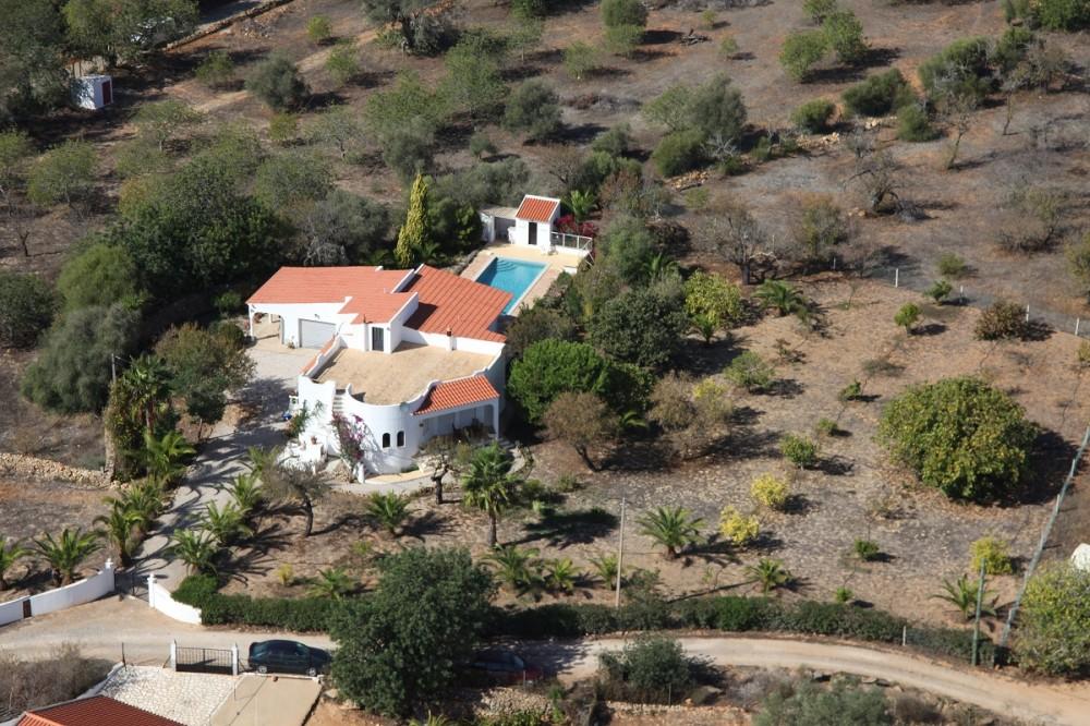 Fuseta vacation rental with Casa Antonius