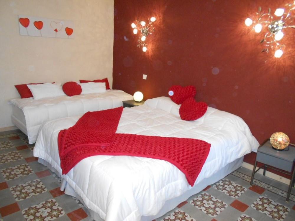 Allegre-les-Fumades vacation rental with chambre  avec S de B privée Pierre de Lune