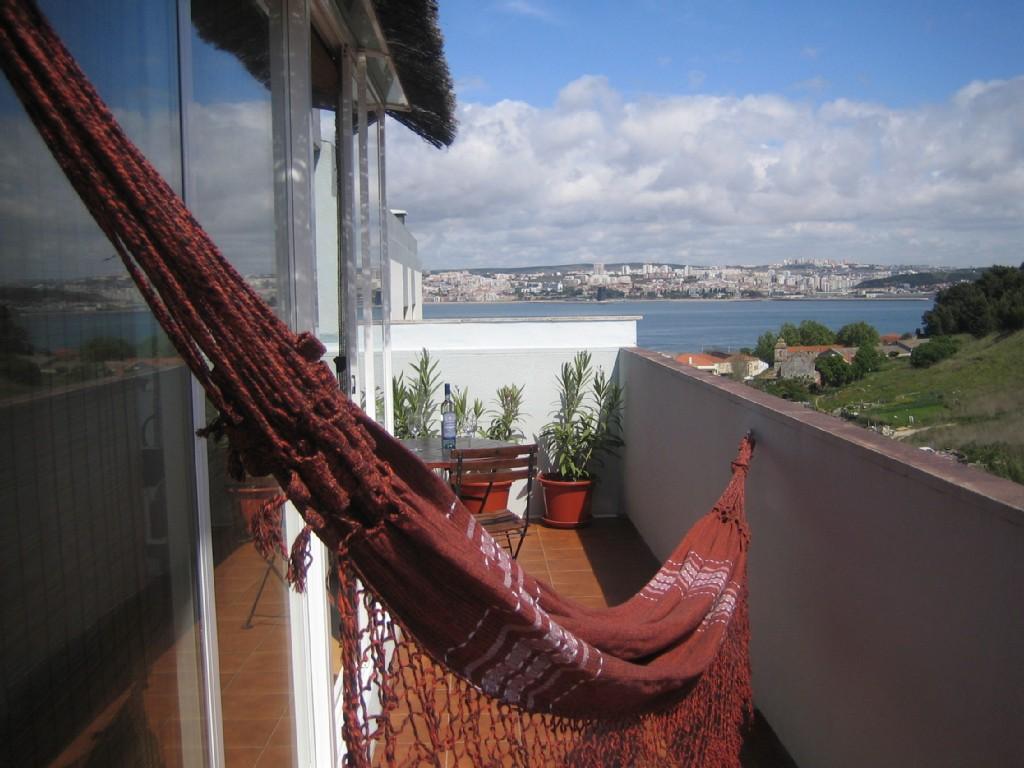 1 Bed Short Term Rental Apartment Almada