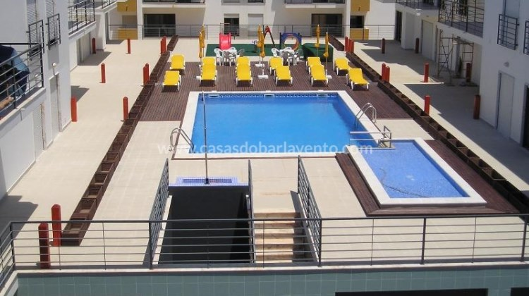 2 Bed Short Term Rental Apartment Meia Praia