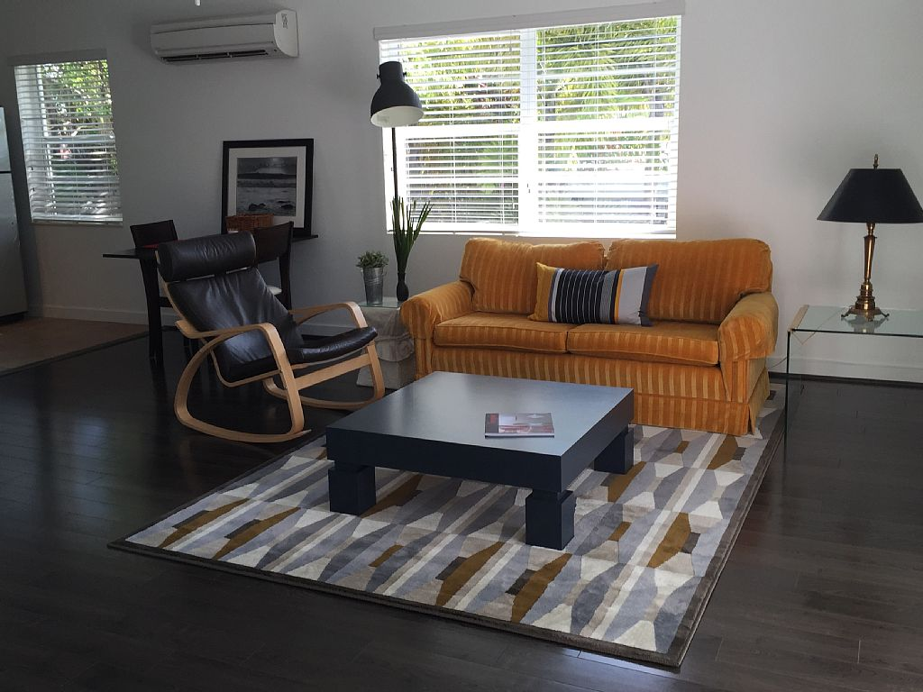 2 ROOMS APARTMENT WALKING DISTANCE TO THE BEACH FORT LAUDERDALE