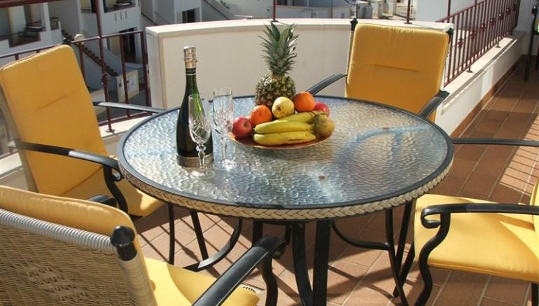 2 Bed Short Term Rental Apartment Meia Praia