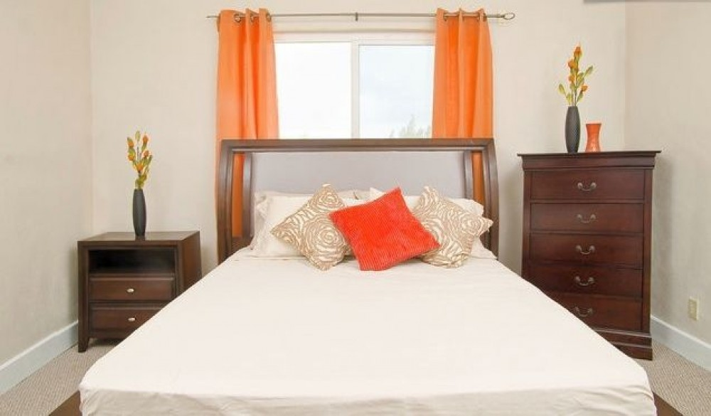 Nassau vacation rental with THE MAIN BEDROOM.