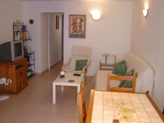 1 Bed Short Term Rental Apartment Marseillan