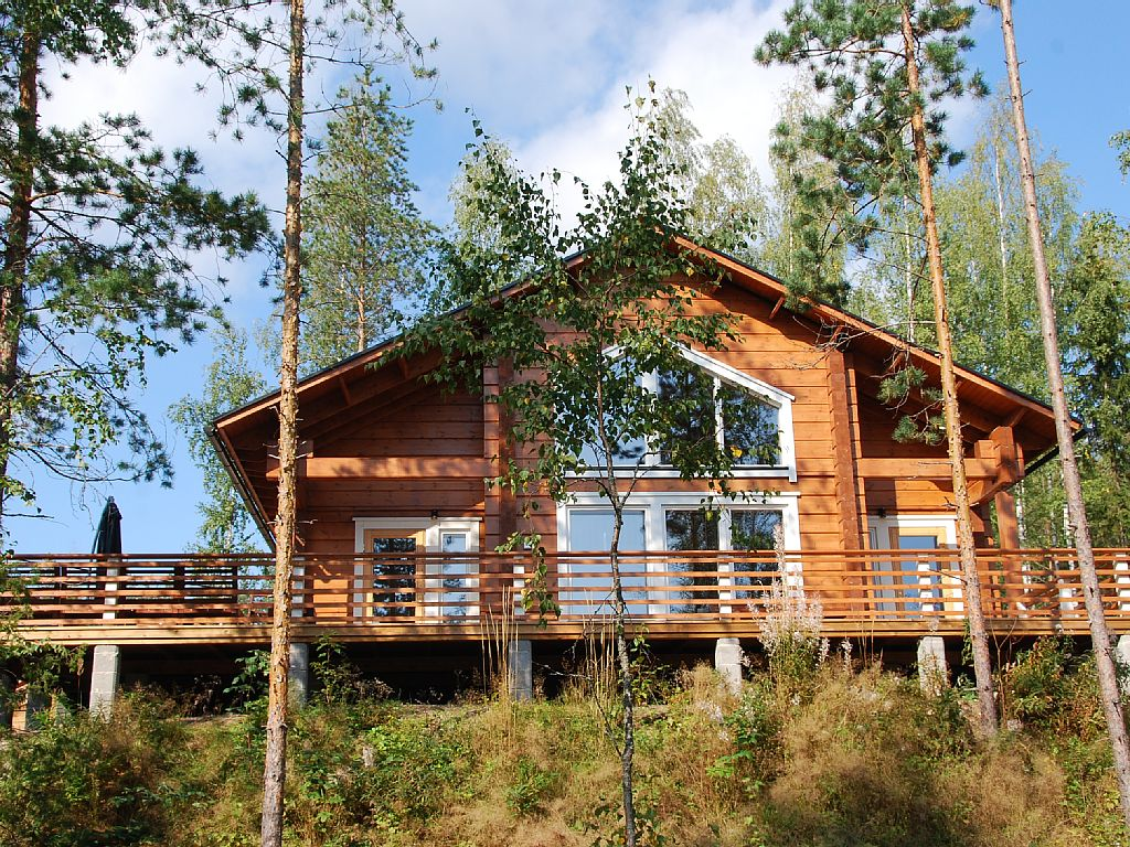 Villa Kokkis - Taavetti, Luxury Villa with Private Sauna by the Lake