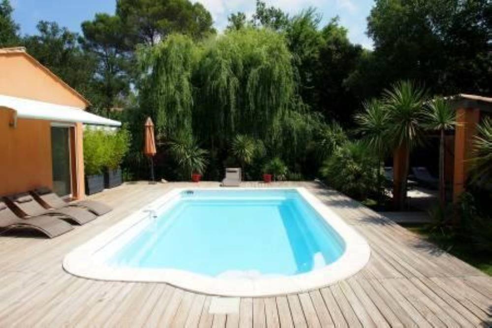 Roquebrune sur Argens vacation rental with Piscine sur espaces verts