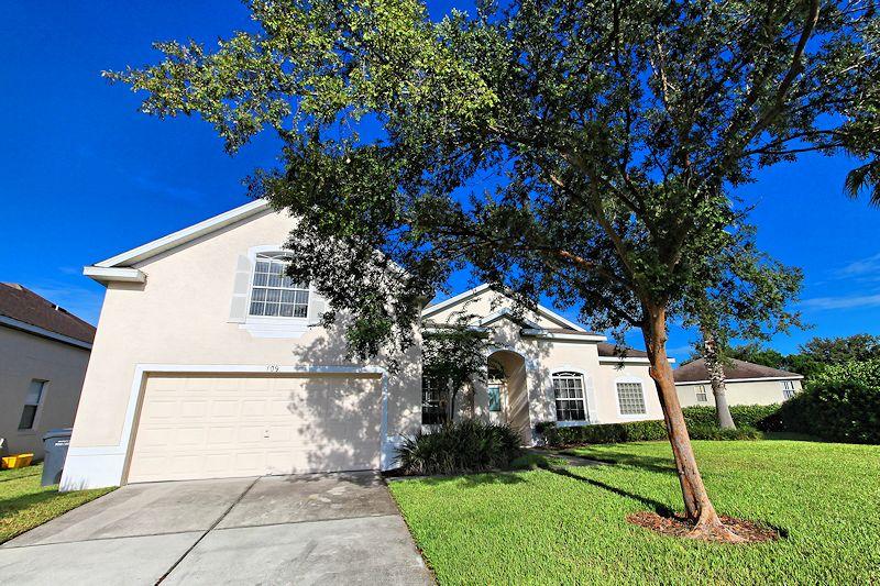 5 Bed Short Term Rental Villa Hampton Lakes