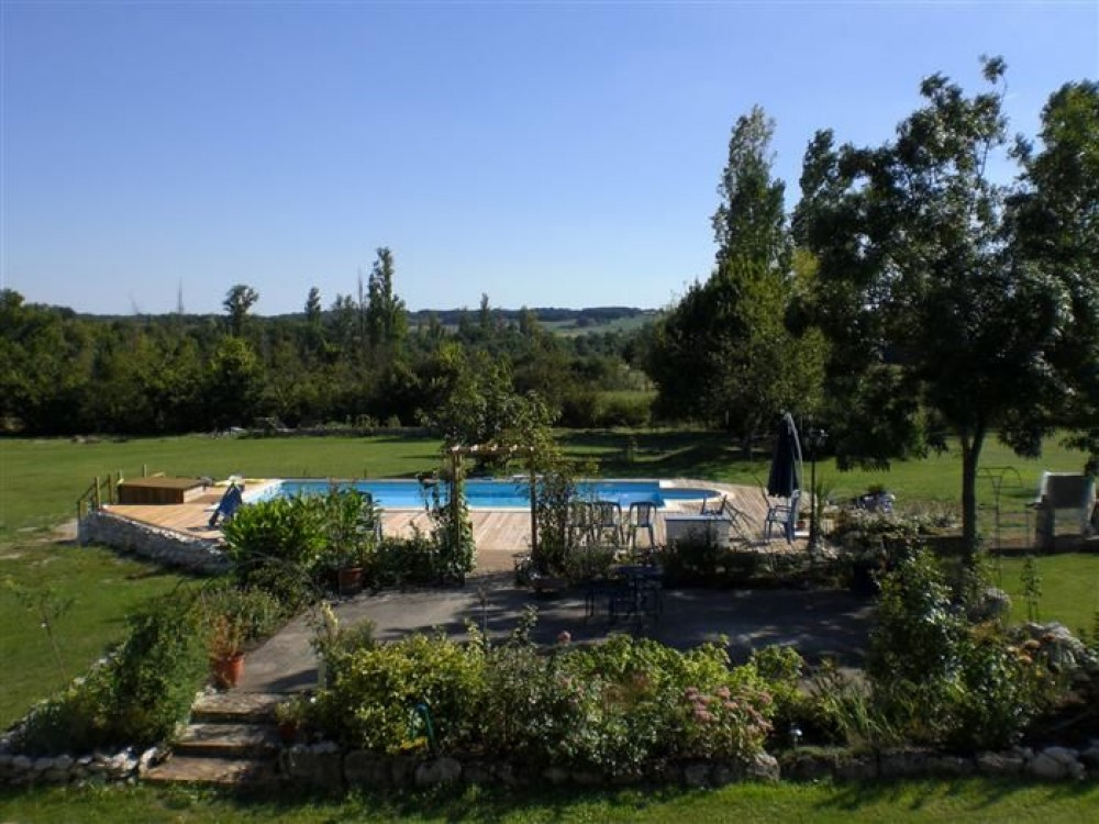 Perigord Pourpre vacation rental with swimming pool