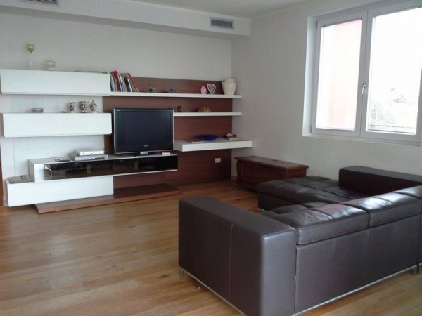 3 Bed Short Term Rental House Desenzano Del Garda