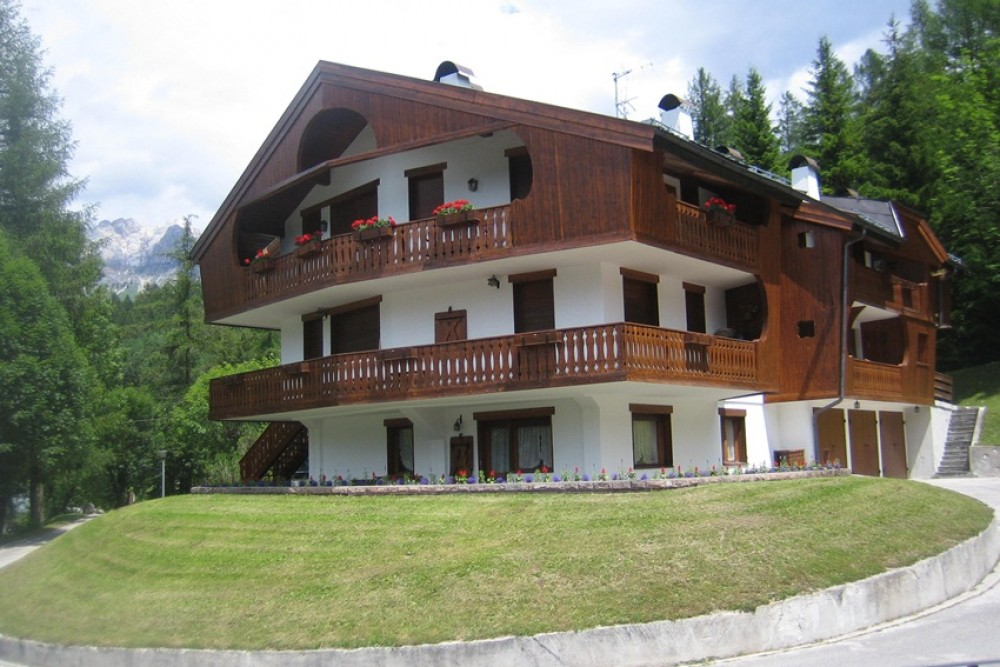 Cortina D-Ampezzo vacation rental with Chalet