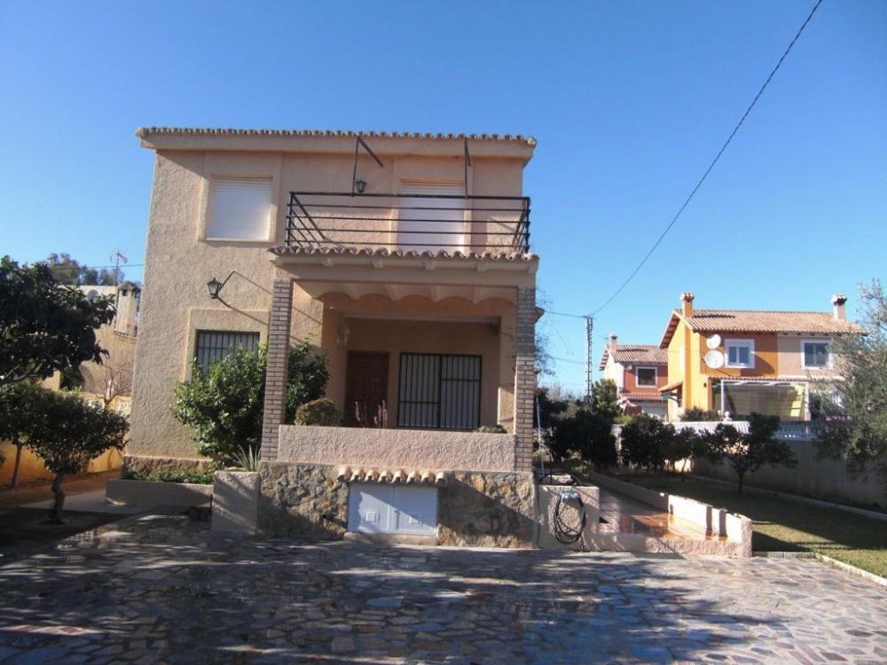 Oliva Nova vacation rental with Sal? N comedor planta baja