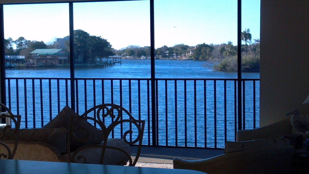 SUNSET POINT ON HOMOSASSA RIVER-TRUE RIVERFRONT PROPERTY WITH BOAT DOCK
