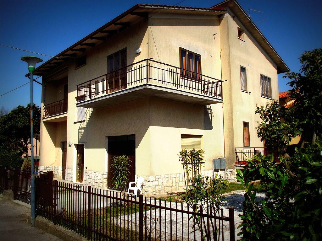 3 Bed Short Term Rental Apartment Sarteano