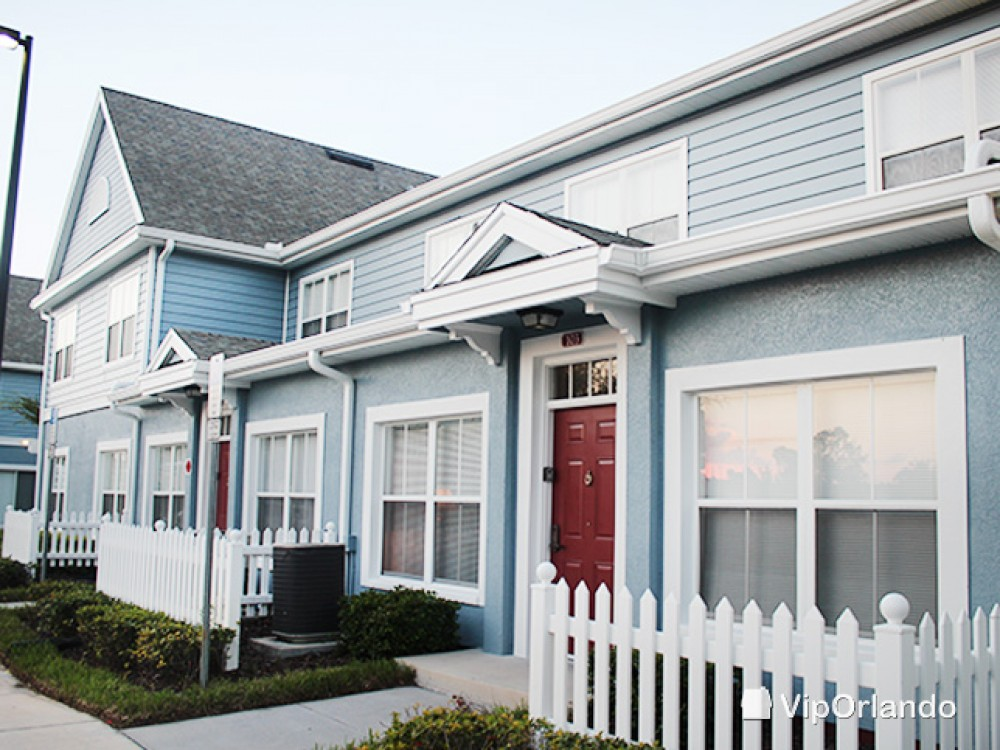 kissimmee vacation rental with Attractive classic style front entrance