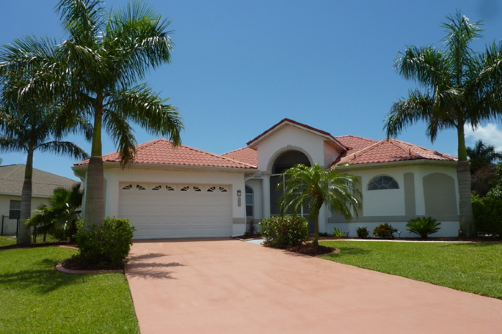 cape coral vacation rental with Outside