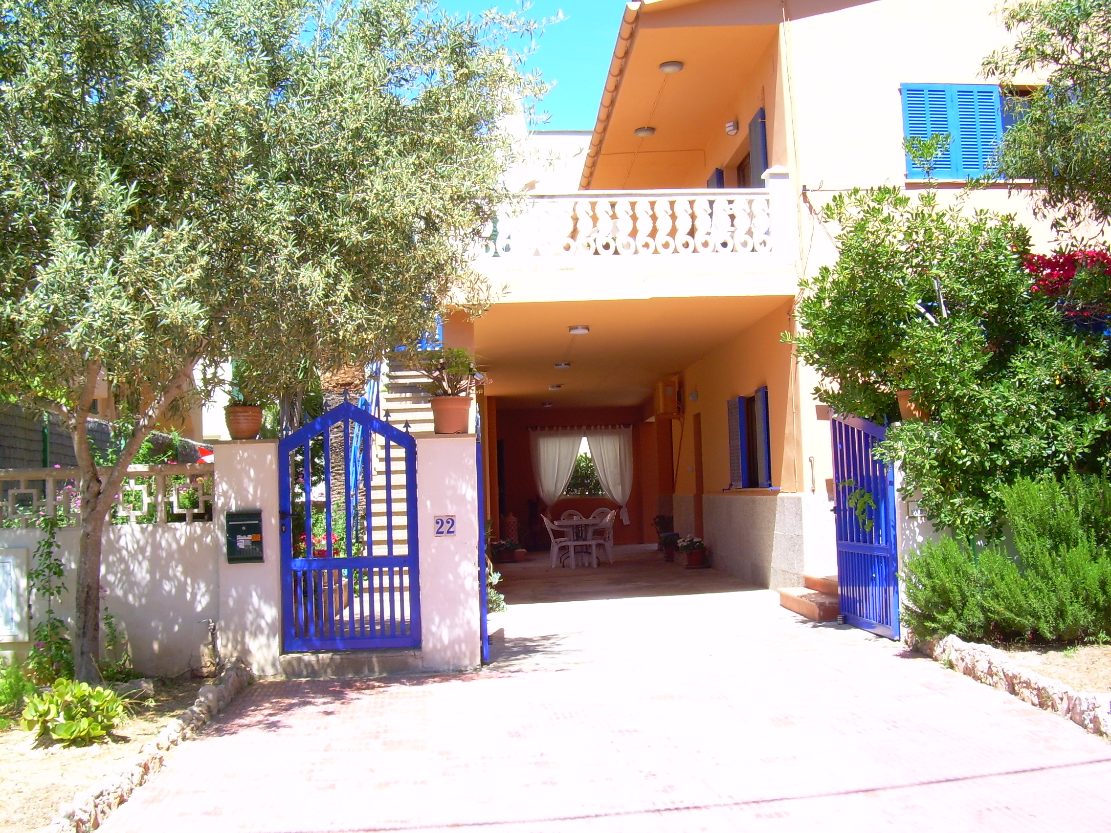 3 Bed Short Term Rental Apartment Colonia Sant Jordi