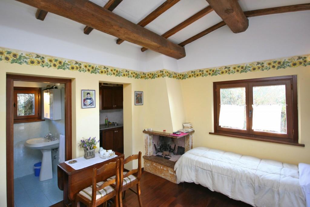 1 Bed Short Term Rental Apartment Ramazzano