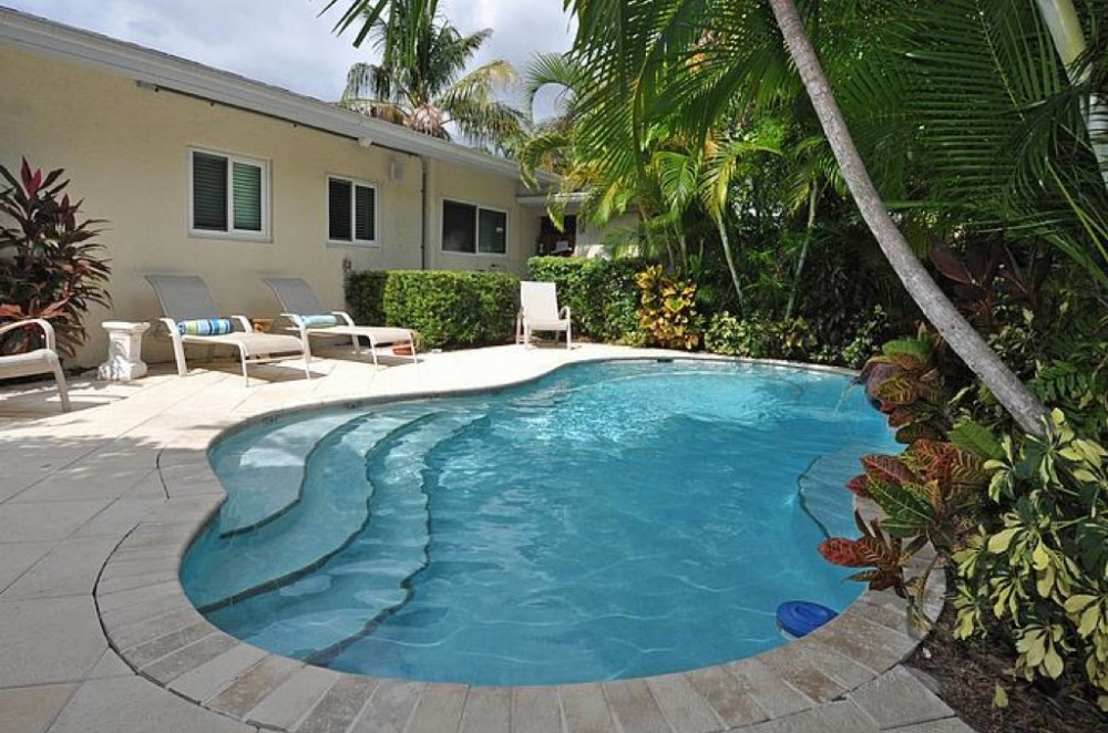 Fort Lauderdale vacation rental with Tropical Oasis - One block to the beach