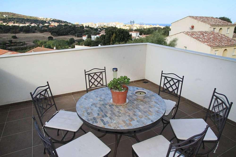 2 Bed Short Term Rental Apartment Ile Rousse