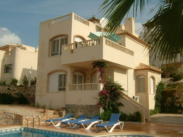 A detached, 3 bedroom villa surrounded by a mature garden & private pool