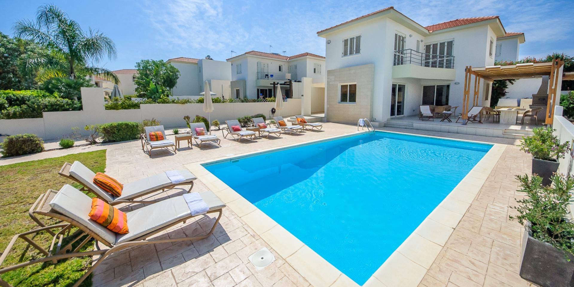 4 Bed Short Term Rental Villa Kapparis