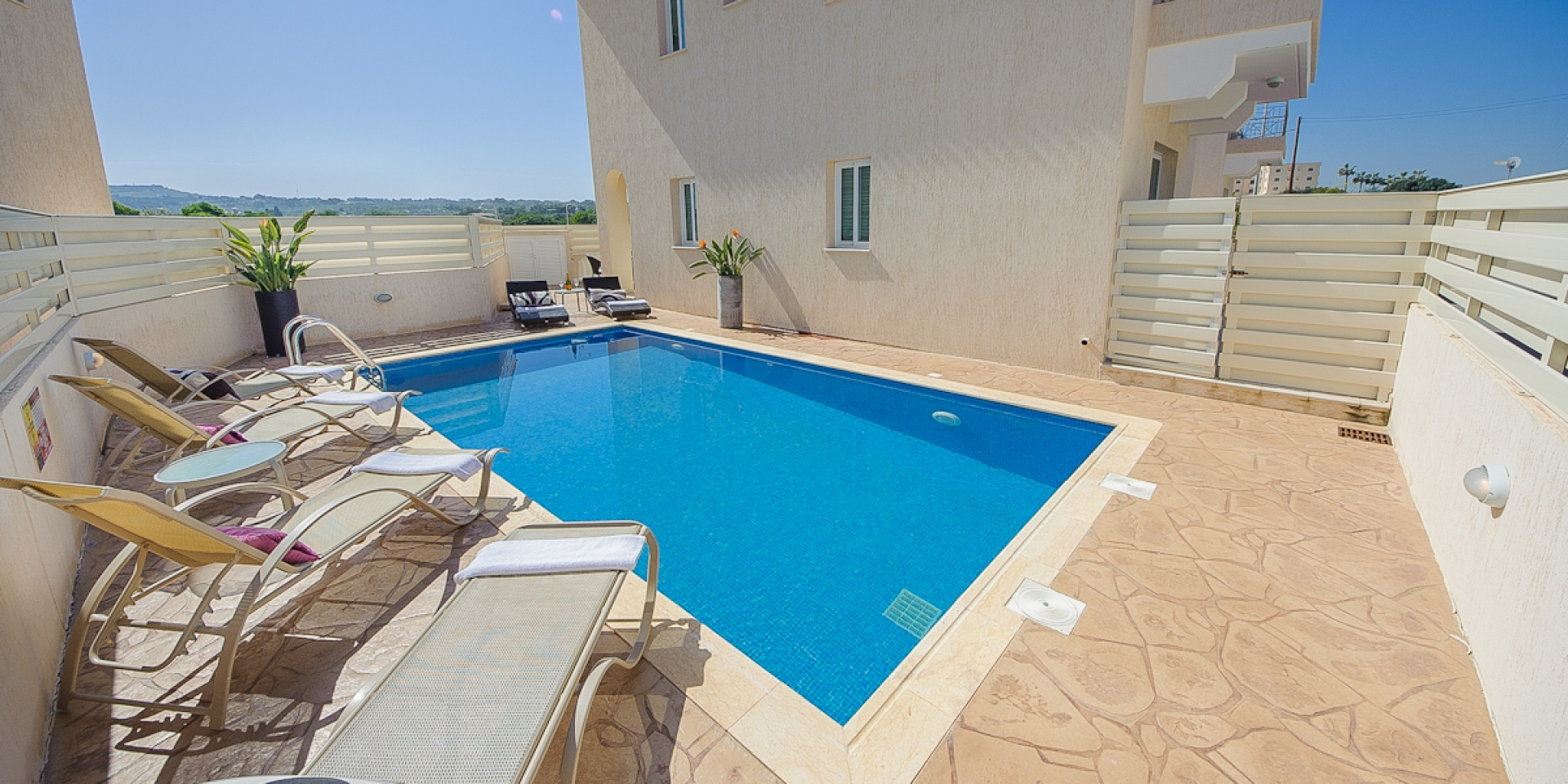 3 Bed Short Term Rental Villa Pernera