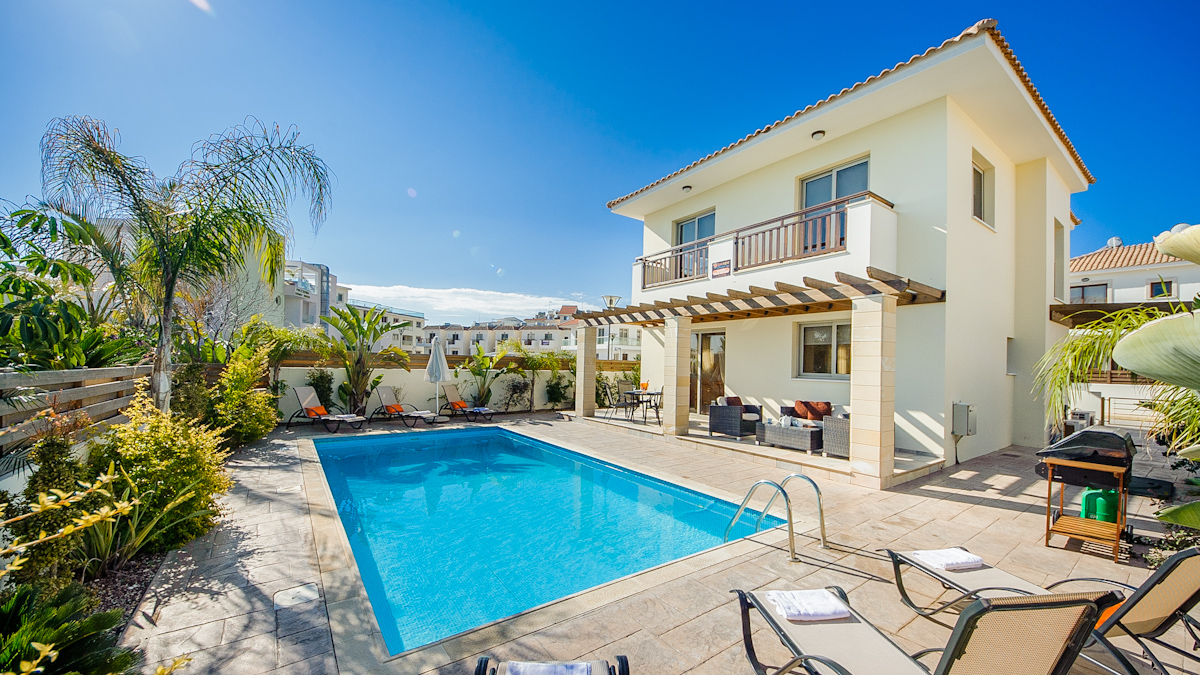 3 Bed Short Term Rental Villa Protaras