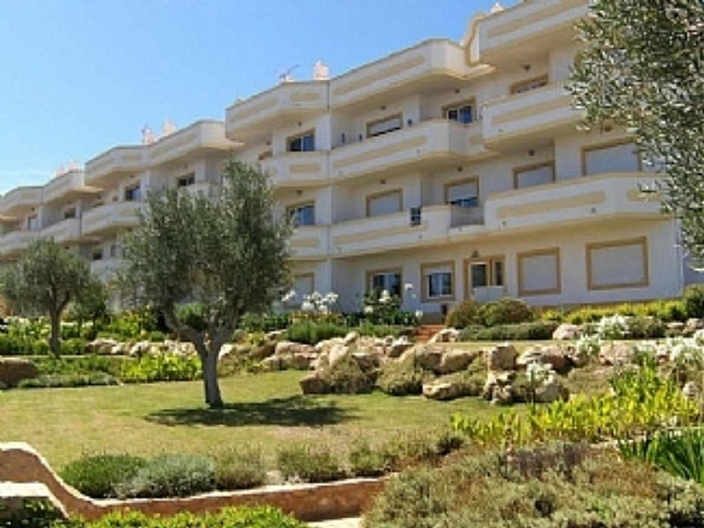 Superb Ground Floor Apartment In The Village Of Guia