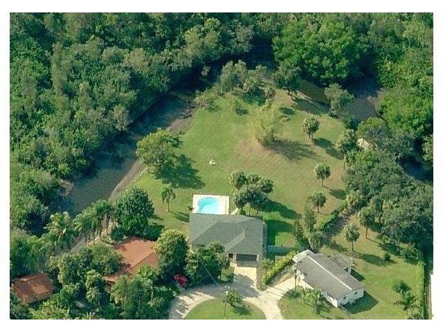 Vacation House River Garden