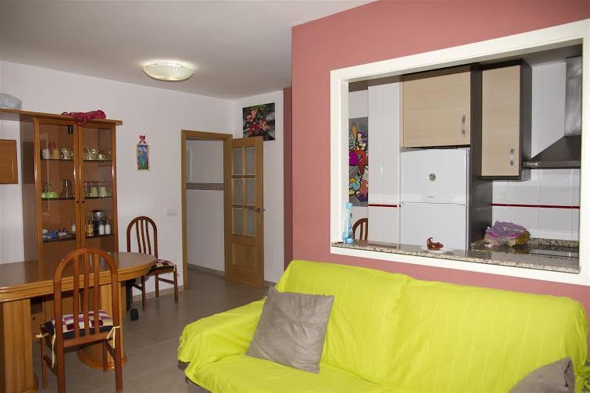 Apartamento de 3 dormitorios  y sofá cama cerca de la mejor playa de Garrucha